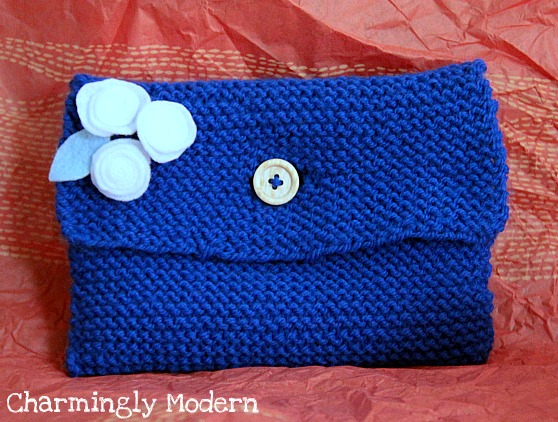 UK Blue knitted pouch